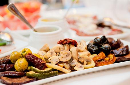 7 Ushqimet që na dëmtojnë trurin