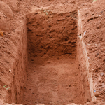 Bëhu udhëtar që le gjurmë të mira pas vdekjes tënde