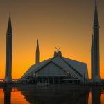 Duaja e hyrjes dhe daljes nga xhamia
