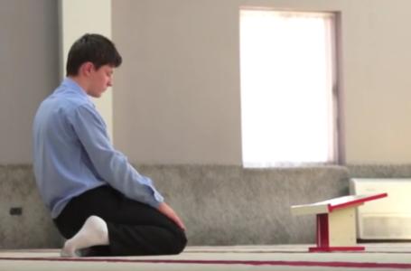 Dispozita rreth dy rekateve namaz qe falen kur hyn ne xhami