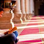 Çfarë ndodhë me atë njeri kur lexon Kuran?