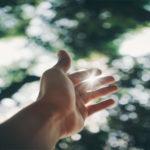 Nuk ka perde mes lutjes se atij qe i eshte bere padrejtesi dhe Allahut
