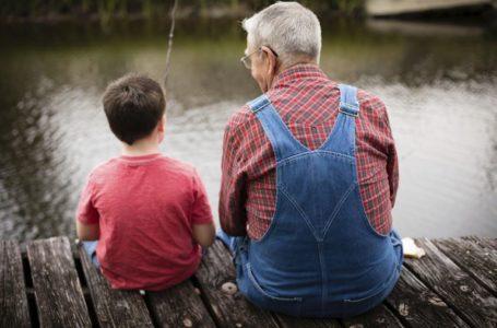 Si të këshillosh prindin i cili është i dhënë pas mëkateve dhe gabimeve?